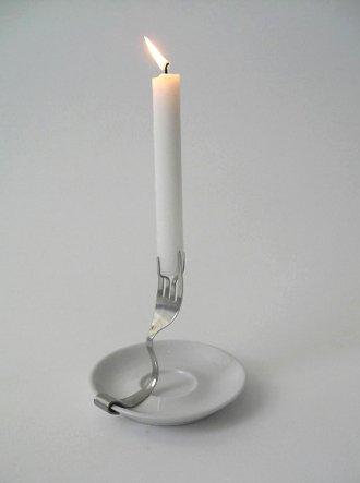 Подсвечник из вилки и блюдца своими руками