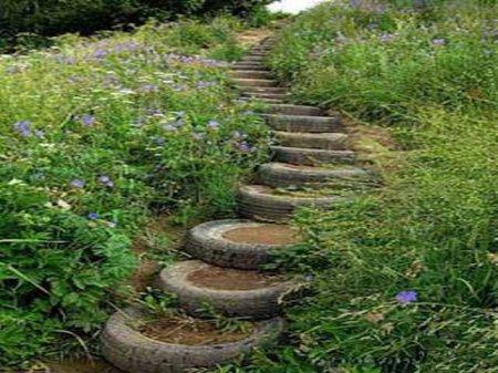Ландшафтная лестница из резиновых покрышек