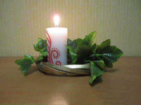 Украшение свечи бисером