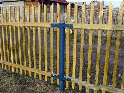 Забор из винтовых свай сделанных своими руками