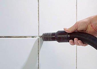 Замена старой плиточной затирки