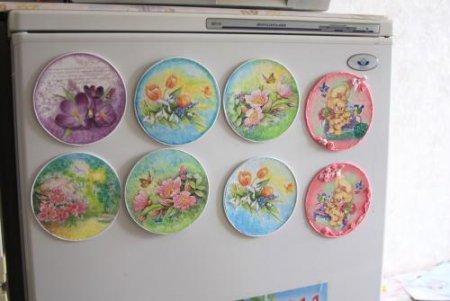 Магнитик на холодильник из компакт диска