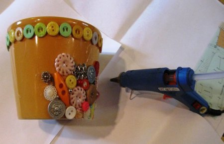 Декорирование пластикового цветочного горшка
