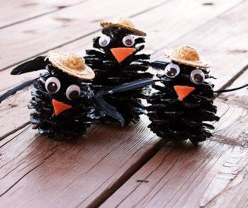 Вороны из шишек