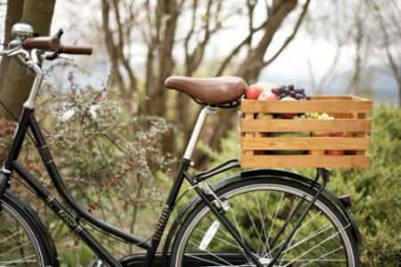 Большой багажник для велосипеда из деревянного ящика