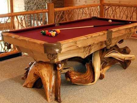 Бильярдный стол из древесины